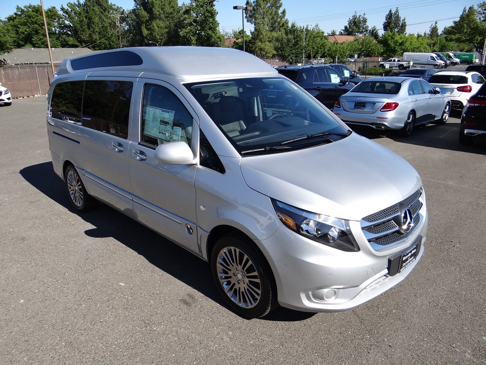 New 2017 mercedes benz metris passenger van mmpv2g luxury for Mercedes benz sacramento rocklin